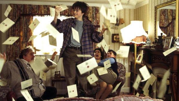 Tiết lộ lý do đau lòng khiến Harry Potter chỉ có mỗi bà dì xấu tính, vì sao có thừa tiền mà không còn người thân?
