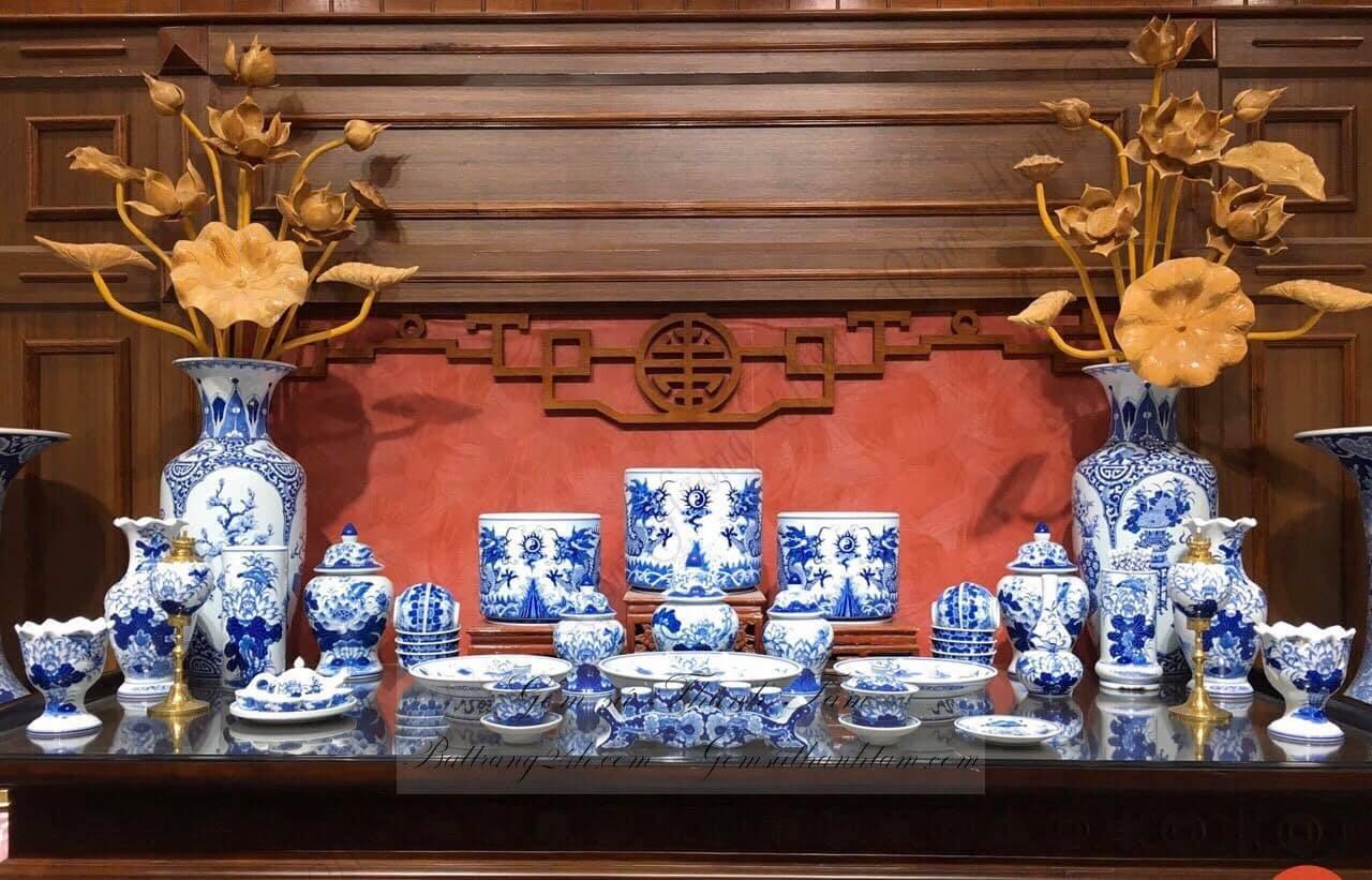 """Lạ lùng những sao Việt mê gốm sứ thi nhau sưu tầm những món đồ có hoa văn """"bàn thờ"""": Là xu hướng nhất thời hay sự đẳng cấp?"""