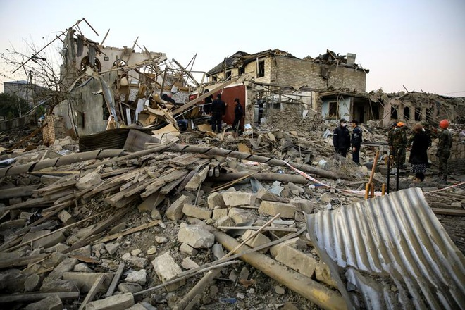 Azerbaijan tưởng niệm một năm vụ rocket bị nã vào khu dân cư - ảnh 1
