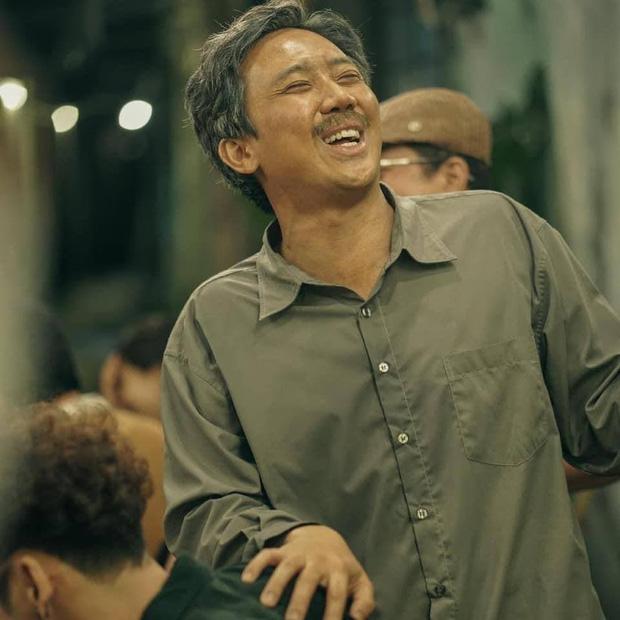 Netizen bàn tán bộ râu của Trấn Thành tại Rap Việt: Trông như