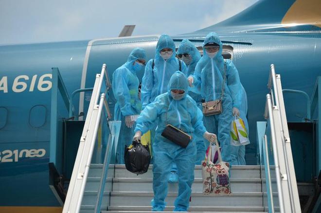 Tỉnh, thành nào yêu cầu khách bay về từ TPHCM phải cách ly tập trung? - ảnh 1
