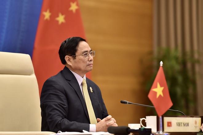 Thủ tướng muốn khôi phục đường hàng không, chuỗi sản xuất với Trung Quốc