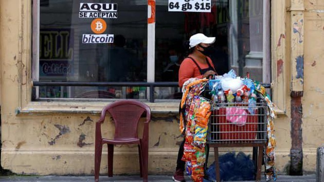 El Salvador ra sao sau một tháng công nhận Bitcoin là tiền tệ lưu hành chính thức? - ảnh 1