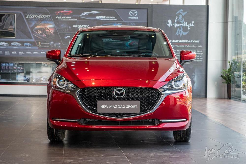 """Mazda2 giảm giá 30 triệu đồng, cuộc chiến sedan hạng B tiếp tục """"nóng"""""""