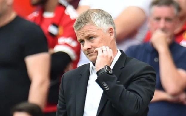 Gary Neville chỉ ra 3 cầu thủ M.U không nên đá chính trước Liverpool