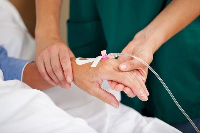 Các phương pháp điều trị ung thư ở bệnh nhân cao tuổi có gì khác?