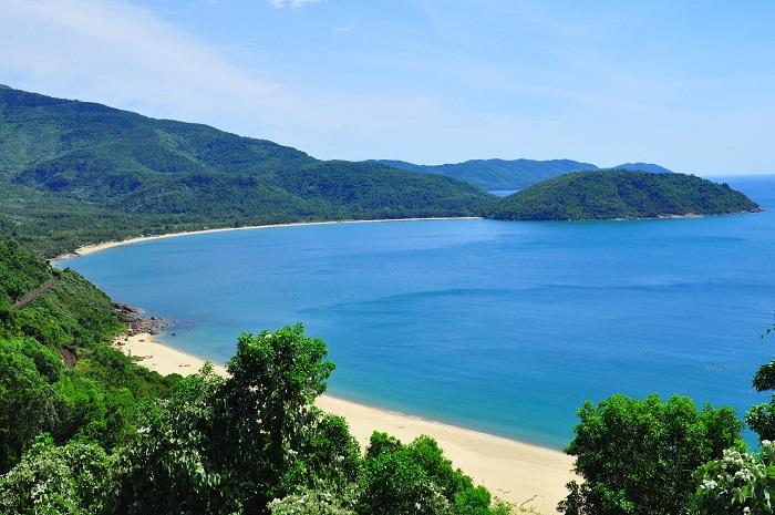 Làng Vân Đà Nẵng – điểm cắm trại siêu thú vị dưới chân đèo Hải Vân