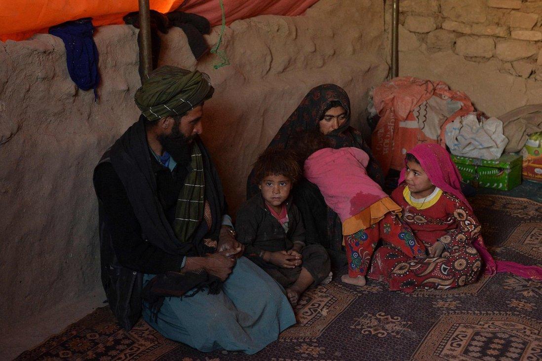 Afghanistan: Lo chết đói, bố mẹ phải làm chuyện đau lòng với con gái