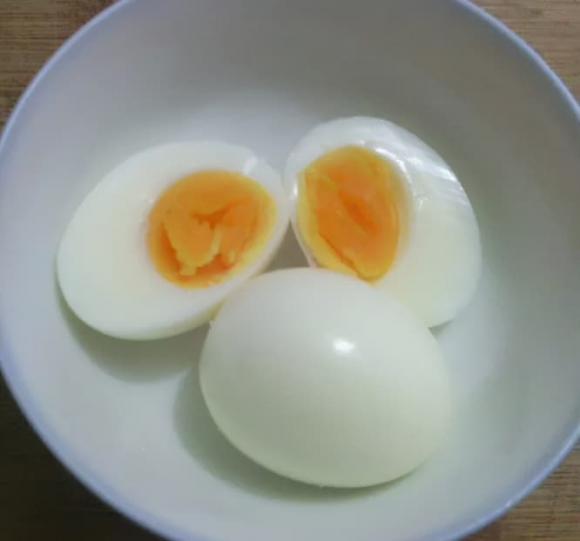 Mẹo luộc trứng tốt nhất là gì? Khi luộc trứng luộc cần chú ý điều gì? - ảnh 1