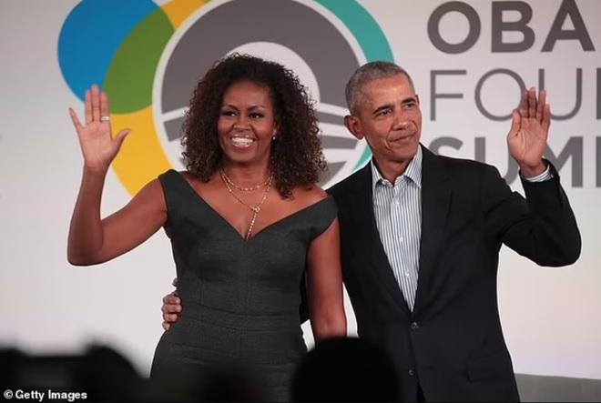 Ông Barack Obama được vợ khuyên nên chơi với ca sĩ Bruce Springsteen