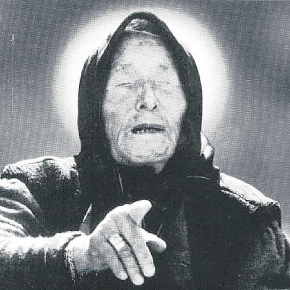 ''Song trùng'' tiên tri của Vanga và Nostradamus: Thế giới năm 2022 đi về đâu? - ảnh 1