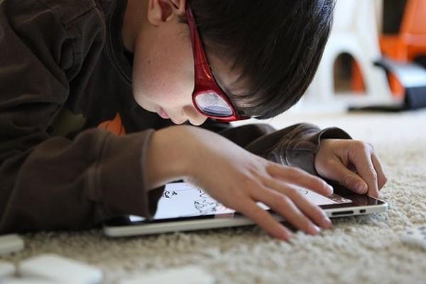 Những dấu hiệu cảnh báo con bạn nghiện game online - ảnh 1