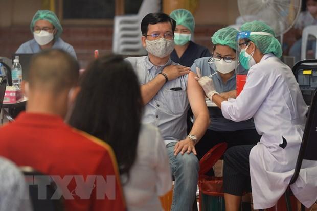 Thái Lan: Bangkok đặt mục tiêu tiêm 70% dân số trước thời điểm mở cửa - ảnh 1