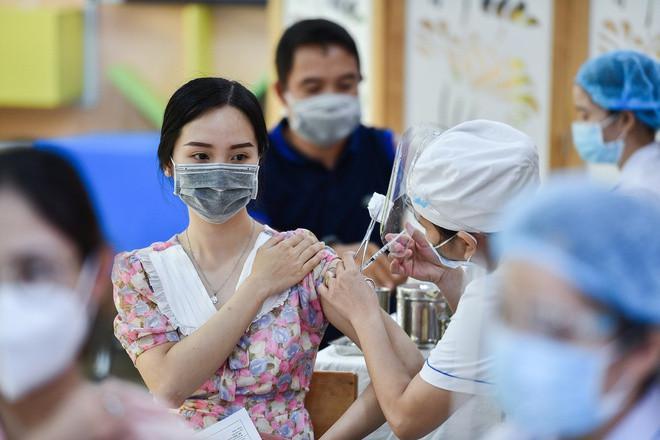 Trước 15/10, Bộ Y tế sẽ ban hành hướng dẫn tiêm vaccine COVID-19 cho trẻ từ 12-18 - ảnh 1