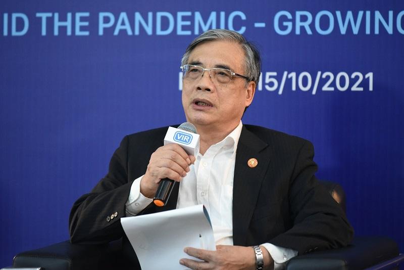 """PGS.TS Trần Đình Thiên: Đây là thời điểm """"dọn dẹp"""" lại doanh nghiệp sau khi bị """"cơn bão"""" quét qua"""