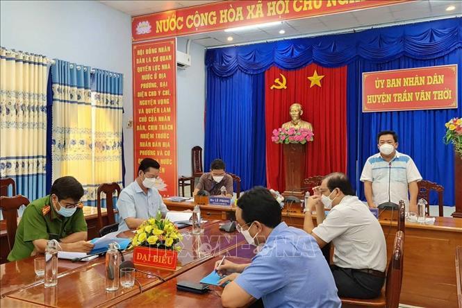 Chủ tịch UBND huyện Trần Văn Thời thông tin về việc tiêu hủy đàn chó, mèo - ảnh 1