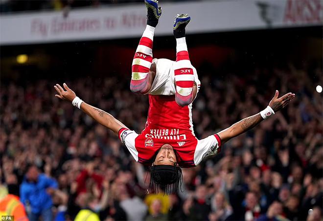 Arsenal 2-2 Crystal Palace: Pháo thủ thoát hiểm đầy kịch tính