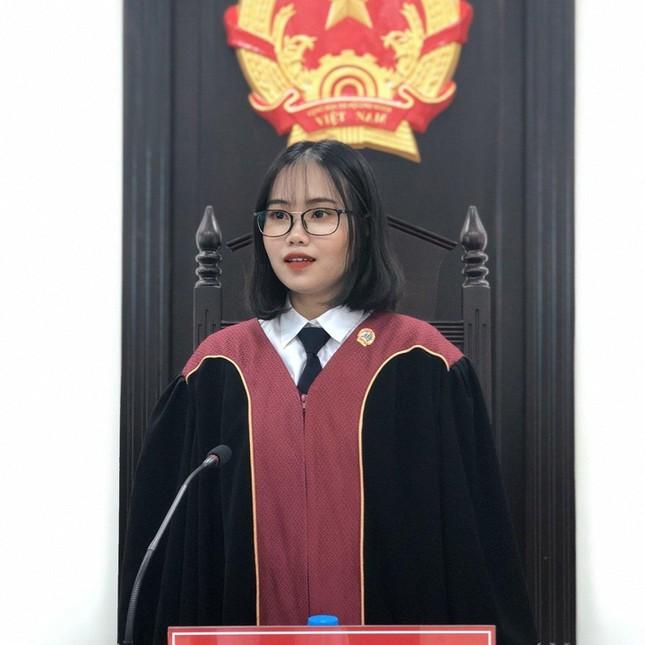 Nữ Á khoa đầu vào trở thành Thủ khoa đầu ra của Học viện Tòa án - ảnh 1