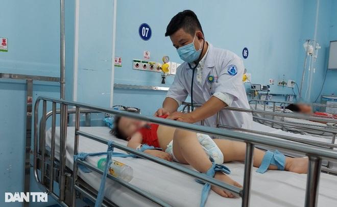 Trẻ em béo phì, có bệnh nền cần tiêm vaccine Covid-19 thế nào cho an toàn?