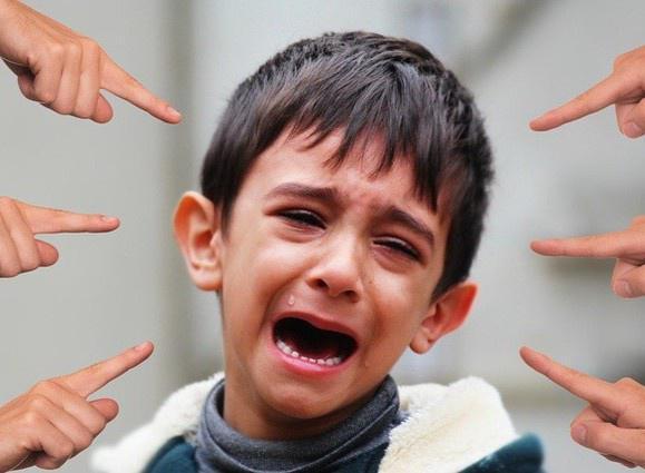 Những dấu hiệu con đang bị bắt nạt ở trường, cha mẹ đừng bỏ qua mà hối hận không kịp