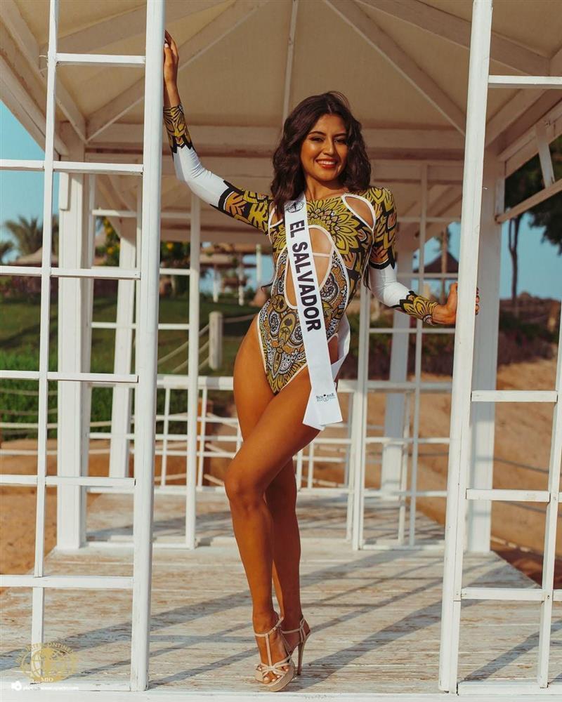 Mua bikini hàng chợ, Ái Nhi bất lợi tại Miss Intercontinental 2021