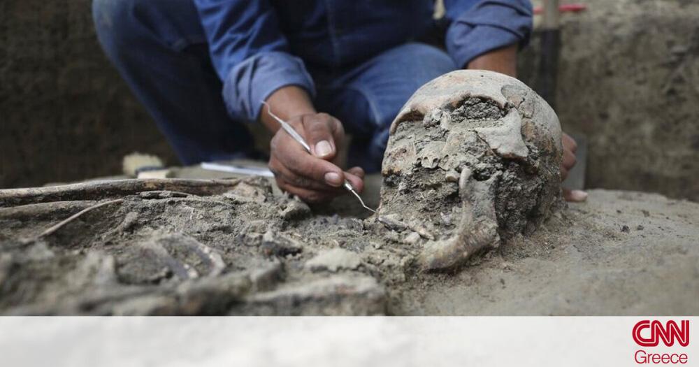 """Lật lại """"vụ án"""" trong mộ cổ, chuyên gia kinh hãi phát hiện ra điểm bất thường"""