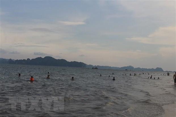 Quảng Ninh xây dựng mô hình du lịch dài ngày, khép kín đảm bảo an toàn - ảnh 1