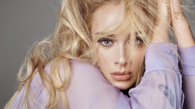 """""""Họa mi"""" nước Anh Adele trở lại quán quân trên Billboard Hot 100"""