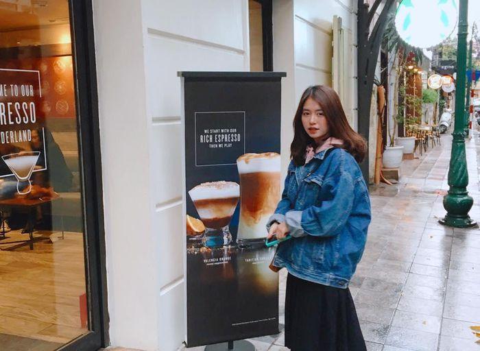 Từ ngọt ngào, cựu hot girl Hà thành bất ngờ gợi cảm bỏng mắt - ảnh 1