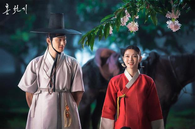 """Rating tập cuối bom tấn cổ trang của Kim Yoo Jung cao chạm nóc, nhưng nhìn """"bé đẹp"""" làm mẹ sai quá trời sai!"""
