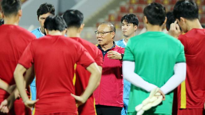 Bóng đá Việt Nam hôm nay: HLV Park Hang Seo vắng mặt khi tuyển Việt Nam hội quân