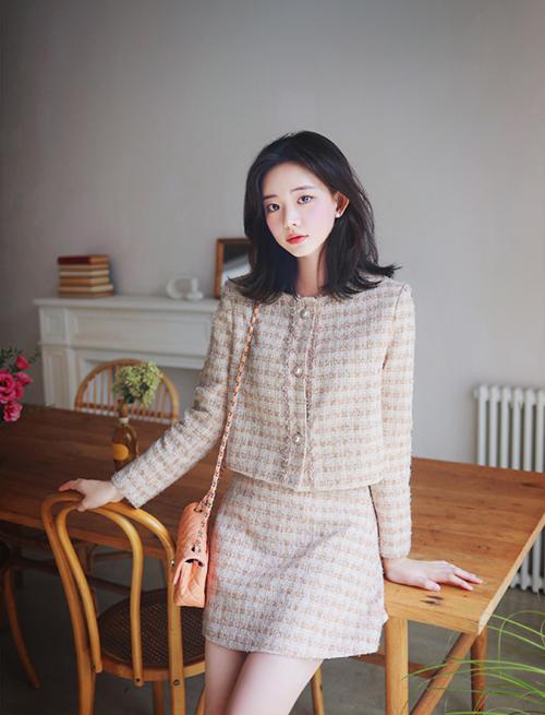 Ba cách phối một kiểu áo khoác vải tweed