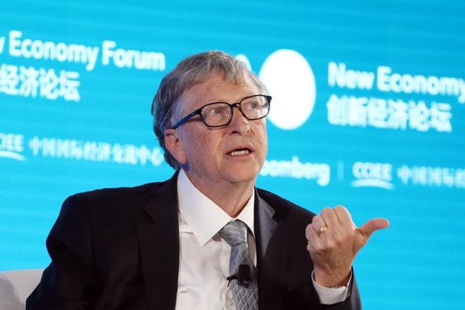 """Bill Gates từng bị cảnh báo vì """"email không phù hợp"""" với nhân viên nữ"""