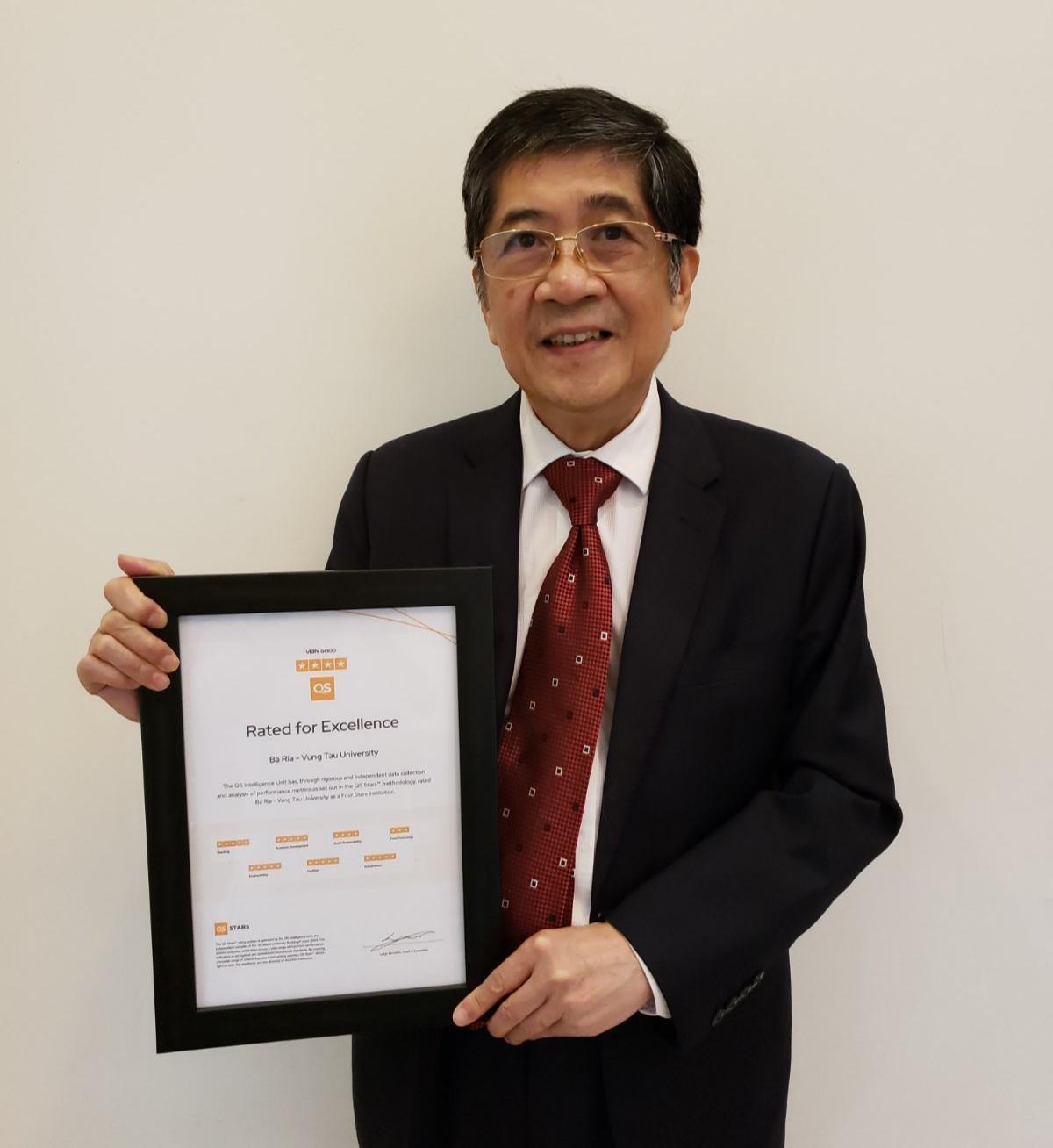 BVU trở thành ĐH trẻ nhất Việt Nam đạt Chứng nhận QS STARS 4 sao
