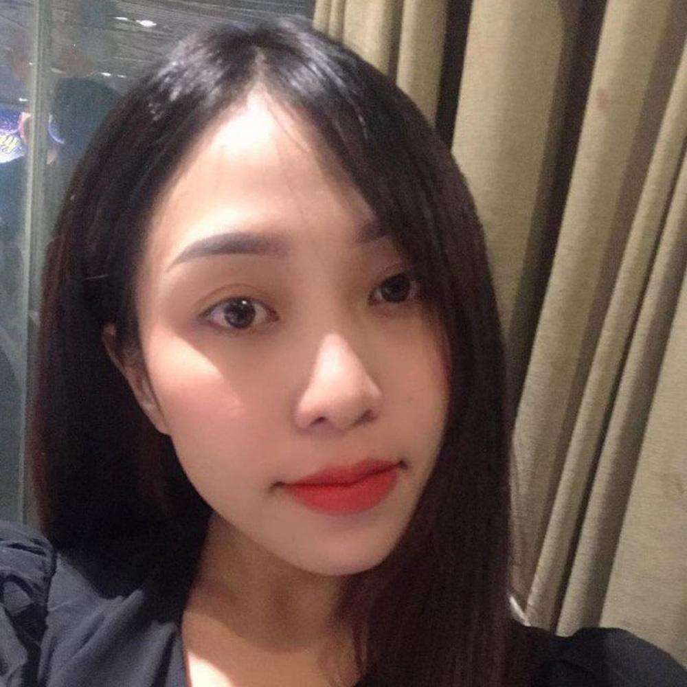"""""""Nguyên tắc"""" tuyển nhân viên lạ đời của bà Phương Hằng: Không được đẹp hơn bà chủ"""