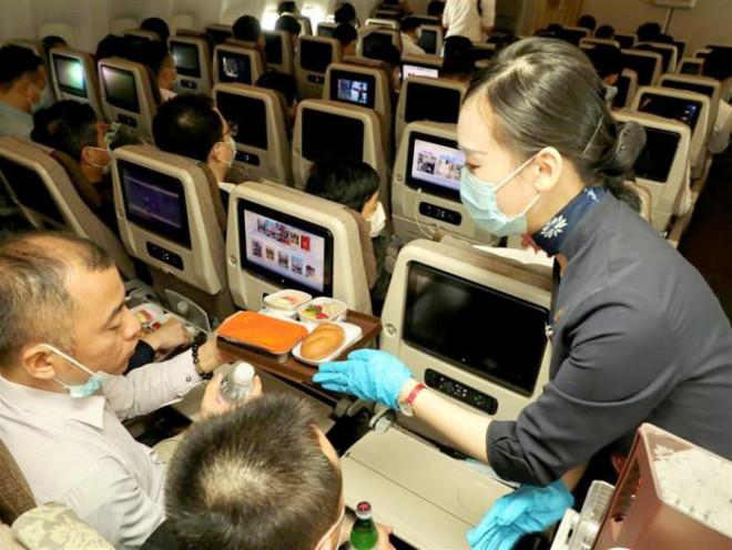 """Trung Quốc có chuyến bay """"trung hòa carbon hoàn toàn"""" đầu tiên"""