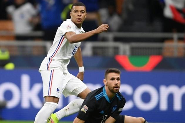 Enrique chia sẻ về bàn thắng tranh cãi của Mbappe - ảnh 1