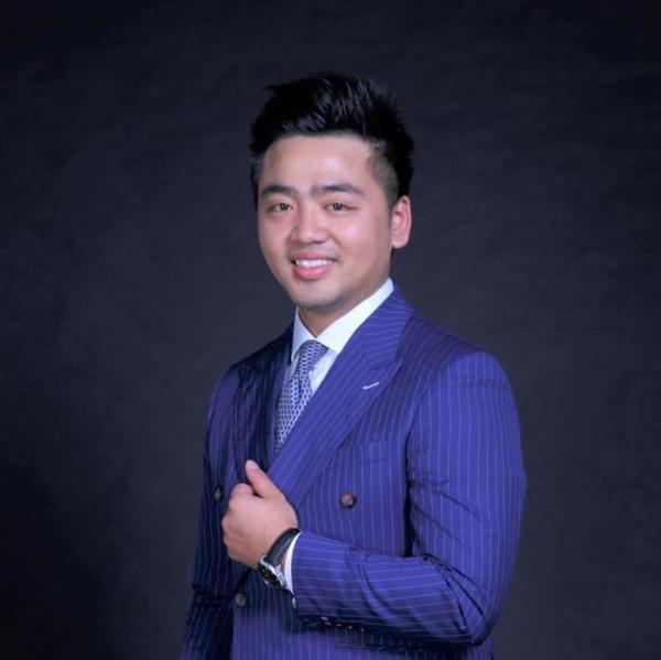 Chàng trai Việt trở thành phó chủ tịch tại ngân hàng ở Singapore