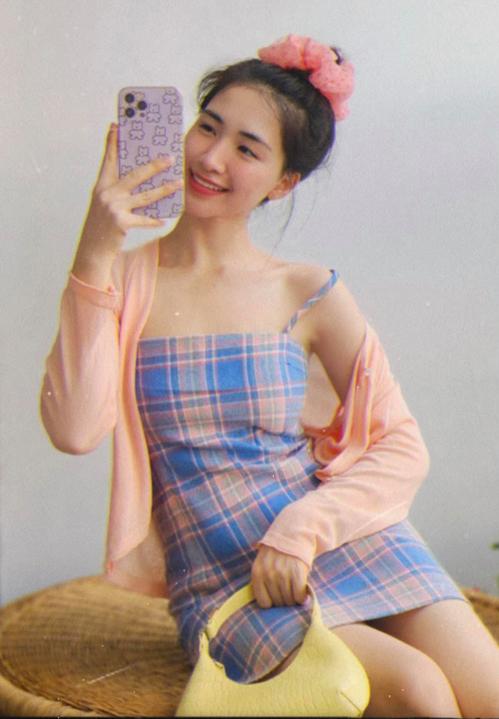 Hòa Minzy mặc đẹp với đồ hơn 100 nghìn đồng - ảnh 1