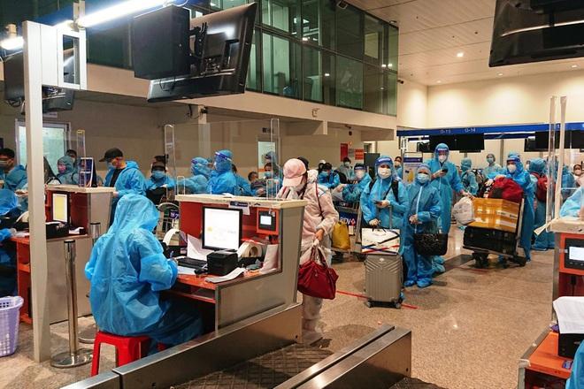 750 người từ vùng dịch về Quảng Nam trên 4 chuyến bay - ảnh 1