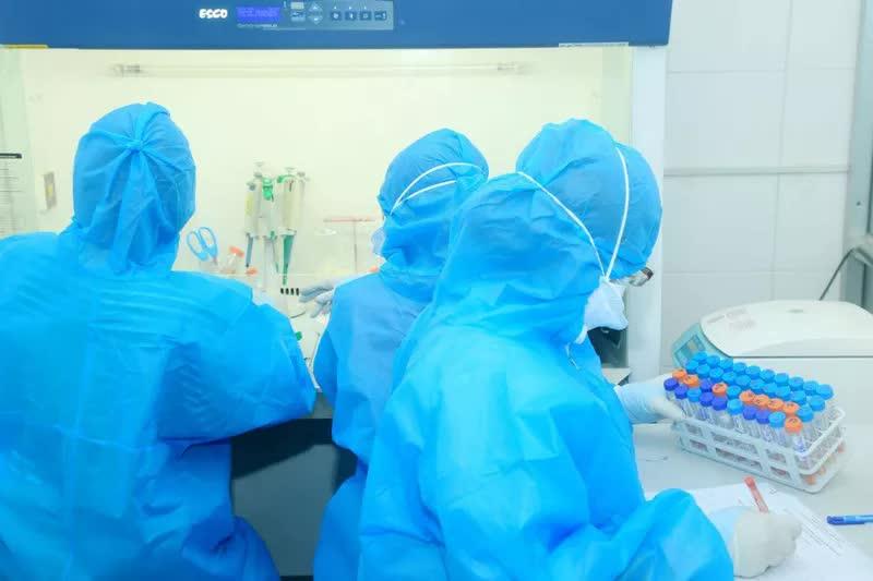 Chùm ca bệnh COVID-19 tại Hà Nam tăng lên 620 ca sau hơn 3 tuần - ảnh 1