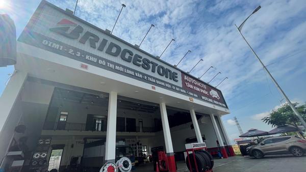 TT Dịch vụ Lốp Ô tô, Tải và Buýt Tân Kim Phúc thay đổi diện mạo mới ưu đãi lớn cho khách hàng