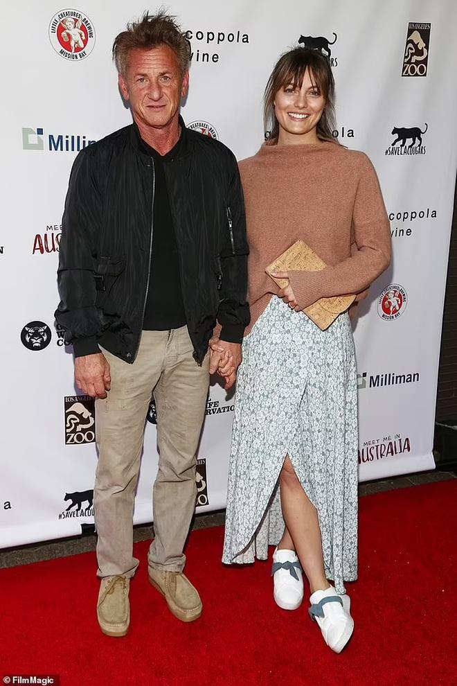 Sean Penn chia tay vợ thứ ba kém 32 tuổi