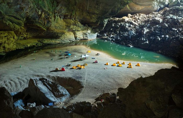 10 hang động đẹp huyền ảo trên thế giới