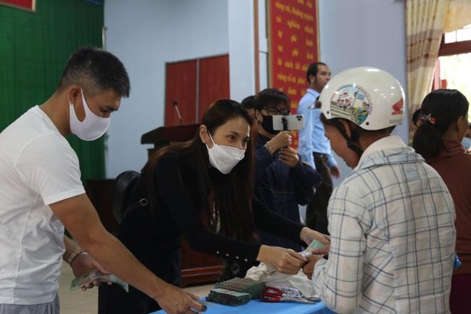 Hà Tĩnh báo cáo gì về hoạt động từ thiện của ca sĩ Thủy Tiên - ảnh 1