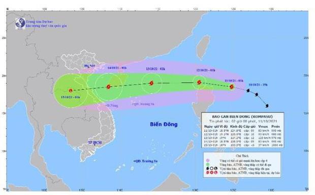 Bão Kompasu giật cấp 11, dự kiến vào Biển Đông trong 24 giờ tới - ảnh 1