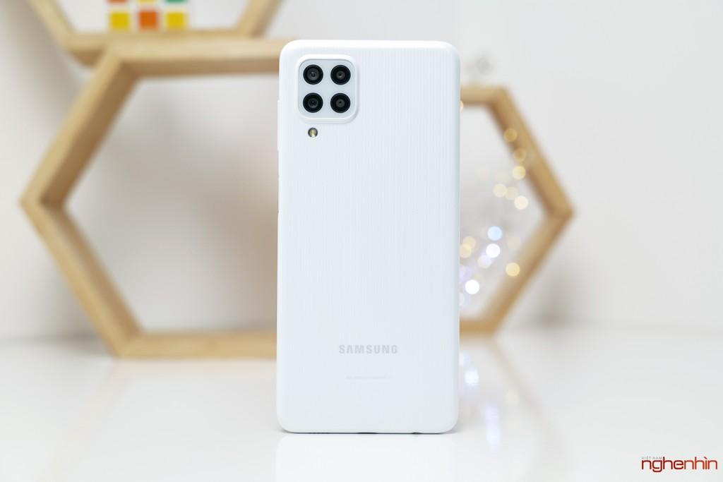 Trên tay Galaxy M22: Pin 5.000mAh, màn hình 90Hz, sạc nhanh 25W