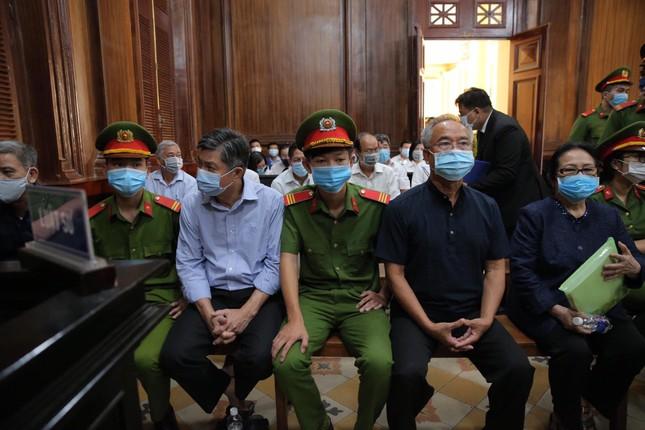 Nữ đại gia Dương Thị Bạch Diệp chuẩn bị hầu tòa trong vụ án lừa đảo chiếm đoạt tài sản - ảnh 1