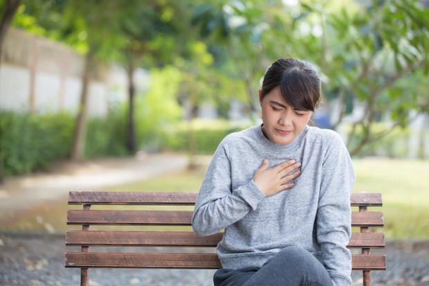 Tỷ lệ nữ giới mắc hội chứng trái tim tan vỡ ở Mỹ ngày càng tăng