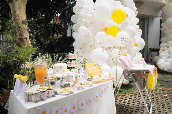 Đông Nhi và Ông Cao Thắng tổ chức sinh nhật hoành tráng cho con gái Winnie tròn 1 tuổi